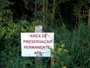 Lei de Parcelamento Urbano não pode ser invocada para reduzir área preservada